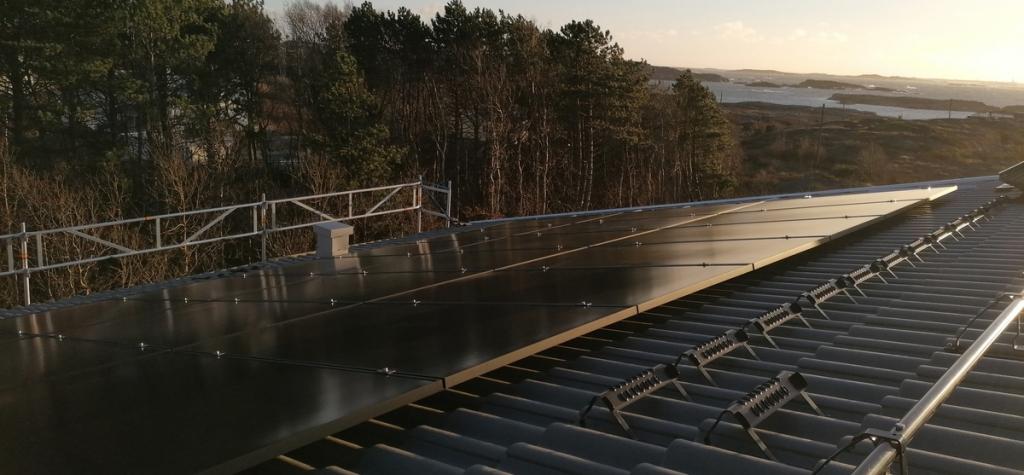 Bild solceller Soldags